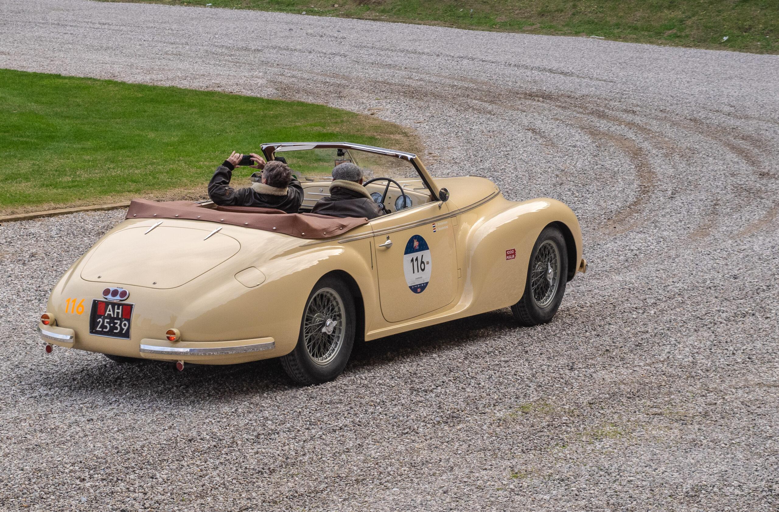 Mille-Miglia-2020-Alfa-Romeo-2500-SS-Cabriolet-italianedacorsa